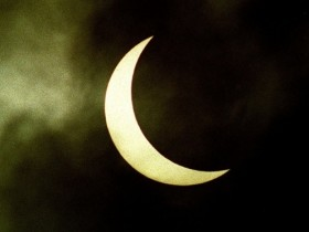 Weatherwatch: The 'eclipse wind' – help solve the mystery